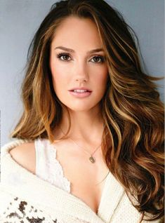 Model: Minka Kelly; pinner: George Pin