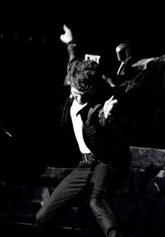 An epic picture of Damian McGinty! (just f.y.i - if you are not a 'thunderhead' this pic is from the song breaking up is hard to do.)