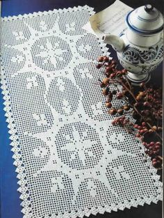 Filet Crochet 'Double Feature' - Free pattern and chart
