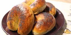 Domáce makovky (sladké rožky) Bagel, Food And Drink, Bread, Baking, Basket, Brot, Bakken, Breads, Backen
