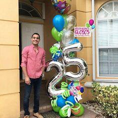 ¡Esooooo vale! Novio Sorprendidoooo por su Novia que con muchísimo amor le envia este Bouquet de cumpleaños desde Venezuela Que la distancia No rompa corazones Para contactos: MIAMI: 786-779-75-23 CARACAS : 0424-168-45-70 . . . Cc Galerias Avila Nivel acceso DECORACIONES GLOBOS Tienda 02127503430 #bygenesisnieves #aprendeydecora #regalaysorprende . . . #balloon #balloons #art #balloonsculpture #globos #talentovenezolano #diseñovenezolano #hechoenvenezuela #talentonacional #arreglodeglobo...