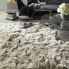 Plysch shaggy mattor i sand köp online från matta säljaren Storbritannien Plush Area Rugs, Interior Rugs, Carpet Design, Living Room Carpet, Room Rugs, Bedroom Carpet, Bedroom Rug, Rugs On Carpet, Plush Rug