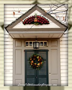 Living In Williamsburg, Virginia: Colonial Christmas Decorations, Red Delicious, Williamsburg, Virginia