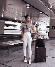 Airport airport look, airport style, airport outfits, cute airport outfit, Comfy Travel Outfit, Travel Outfit Summer, Summer Outfits, Cute Outfits, Travel Wear, Summer Travel, Cute Travel Outfits, Traveling Outfits, Winter Travel