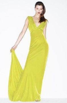 Absolutely gorgeous. Oscar de la Renta Gown