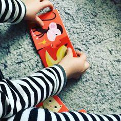 Układamy puzzle i sprawdzamy co jedzą zwierzęta :) #puzzle #rozwój #nauka #naukaprzezzabawę #dzieci #dzieciaki #obrazki #dziecko #baby #child #children #mama #zabawa #zabawazdziecmi #kreatywnie #kreatywnezabawy #kreatywnedzieci #kreatywność #kreatywniezdziecmi #kreatywna #kreatywnezabawki #inteligencja #infant #niemowle #niemowlę
