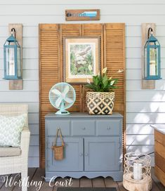 Tips for how to create an inviting and cozy outdoor space. Tips for how to create an inviting and cozy outdoor space. Porch Decorating, Decorating Your Home, Diy Home Decor, Decorating Ideas, Decor Ideas, Farmhouse Sofa Table, Screened In Porch Furniture, Paint Furniture, Furniture Projects