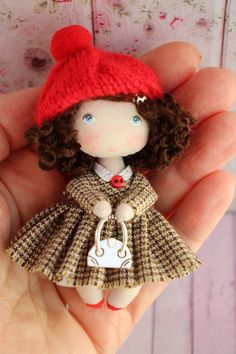 Cloth art collectible dollhouse miniature doll, small fabric tiny pocket doll, gift for her, rag textile toy for doll Tiny Dolls, Soft Dolls, Felt Doll Patterns, Tilda Toy, Unique Christmas Gifts, Little Doll, Fabric Dolls, Doll Face, Miniature Dolls
