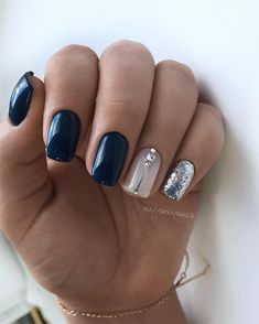 The advantage of the gel is that it allows you to enjoy your French manicure for a long time. There are four different ways to make a French manicure on gel nails. The choice depends on the experience of the nail stylist… Continue Reading → Dark Blue Nails, Navy Nails, Pink Nails, Gel Nails, Nail Polish, Dark Purple, Cute Nails, Pretty Nails, Blue Nail Designs