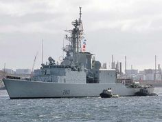HMCS Iroquois arrives in Halifax on Oct. The Royal Canadian Navy has lost the use of one of its warships on the East Coast after rust was found in its hull. THE CANADIAN PRESS/Andrew Vaughan Royal Canadian Navy, Canadian Army, Canadian History, Naval History, Us History, Military History, Canadian Things, Canada, Navy Ships