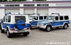 All-terrain radio-controlled vehicle of the watch and change service. Radios, Mercedes G Wagon, Mercedes Benz G Class, Aigle Animal, 4x4, Mercedes Models, German Police, Bug Out Vehicle, Car Badges