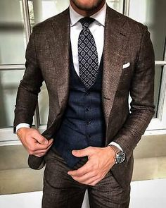 Wedding Groom Gray Classic Suits for Man Slim Fit 3 Pieces Tuxedo Vest Formal Mens Fashion Suits, Mens Suits, Mens 3 Piece Suits, Estilo Cool, Style Masculin, Designer Suits For Men, Brown Suits, Classic Suit, Elegantes Outfit