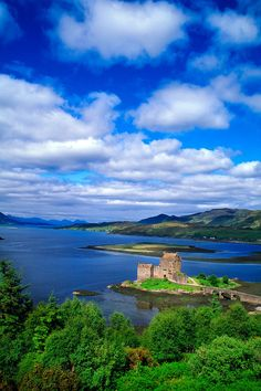 Loch Duich - and Eilean Donan Castle - is a sea loch situated on the western coast of Scotland, in the Highlands. Places Around The World, Oh The Places You'll Go, Places To Travel, Places To Visit, Scotland Castles, Scottish Castles, Beautiful World, Beautiful Places, Eilean Donan