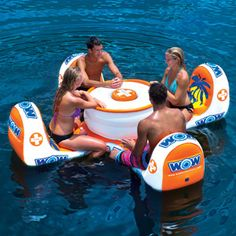 Um, yes please! Play skip bo IN THE POOL! Or have a picnic! Look at this Island Table Float // floating pool table and chairs Jet Ski, Floating Picnic Table, Lake Floats, Cool Pool Floats, Large Pool Floats, Floating In Water, Floating Island, Floating Dock, Wow World