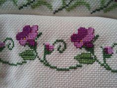 Çiçek Cross Stitch Heart, Cross Stitch Borders, Cross Stitch Designs, Embroidery Stitches, Embroidery Patterns, Crochet Patterns, Crochet Bedspread, Stitch 2, Filet Crochet