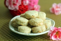 Almond Cookies for the coming Chinese New Year festival