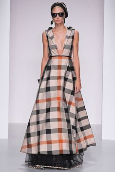 Daks Spring 2014 Ready-to-Wear Collection - Vogue Haute Couture Style, Couture Mode, Couture Fashion, Runway Fashion, Fashion Trends, Fashion 2014, All About Fashion, Love Fashion, High Fashion
