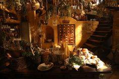 魔女の宅急便家の中を自由に飛び回れる、見習い魔女・キキの実家 | CINEmadori シネマドリ | 映画と間取りの素敵なつながり