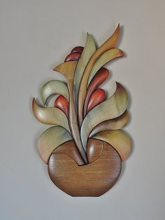 Wooden Art, Wood Wall Art, Intarsia Wood Patterns, Transfer Images To Wood, Wood Vase, Intarsia Woodworking, Carving Designs, Wood Creations, Ceramic Painting