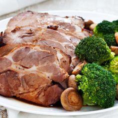 Mausteinen kasslerpaisti | Yhteishyvä Steak, Pork, Recipes, Kale Stir Fry, Recipies, Steaks, Ripped Recipes, Pork Chops, Cooking Recipes