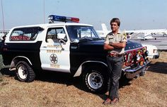 mark harmon   Tumblr Emergency Vehicles, Police Vehicles, Military Vehicles, 1979 Ford Bronco, Old Police Cars, Early Bronco, Ford Pickup Trucks, Old Tv Shows, Law Enforcement