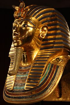 Tutankamon mask in Cairo museum - seen it in real life! Ancient Egypt Art, Old Egypt, Cairo Egypt, Ancient Artifacts, Ancient History, Egyptian Jewelry, Egyptian Art, Egyptian Mythology, Tutankhamun