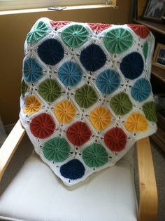 I'm pretty sure this is crochet, but it's so beautiful. Maybe I will try (yet again) to learn to crochet.