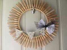 #LaundryRoomDecor :: Clothespin wreath: love notes by lauryn » Mine for the Making
