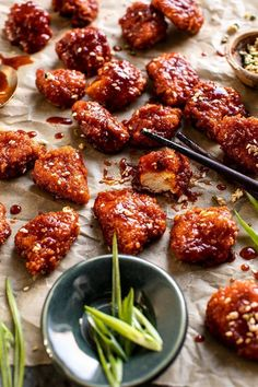 Oven Fried Korean Popcorn Chicken - Food and drink - Chicken Recipes Asian Recipes, Healthy Recipes, Lunch Recipes, Easy Korean Recipes, Asian Dinner Recipes, Yummy Recipes, Healthy Food, Veggie Fries, Veggie Food