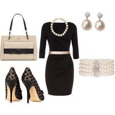 Vestido negro, tacones.