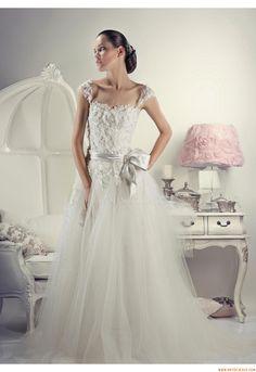 Elegant Sweetheart A-line Court Train Wedding Dress China Tanya Grig Emma 2012