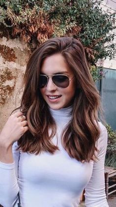Ideas Haircut Lob Blonde Medium Length Hairs For 201942 Ideas Haircut Lob Blonde Medium Length Hairs For 2019 shoulder length hair style idea + brunette Beautiful mid-length hair models inspire you 49 Hot Trend Haircuts You'll Be Obsessed With 2019 Medium Hair Cuts, Long Hair Cuts, Medium Hair Styles, Curly Hair Styles, Blunt Haircut Medium, Medium Length Hair With Layers, Medium Layered, Hair Cuts Girls, Short Layers