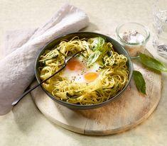 Aus diesen Eiern im Näschtli schlüpfen keine Vögel – zum Glück, so können wir sie zusammen mit den Spaghetti köstlich geniessen.