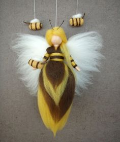 Needle Felted Wool Bee Queen Fairy Doll Faeries Soft Sculpture Waldorf Inspired by Wool Dolls, Felt Dolls, Wet Felting, Needle Felting, Diy Laine, Wool Felt, Felted Wool, Felted Scarf, Felt Angel