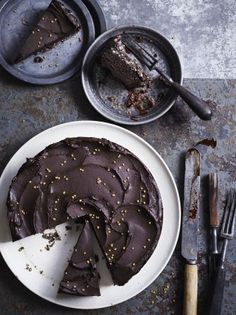 Raw chocolate cake | Jamie Oliver - made with dates, pecans, figs, honey, cacao / cocoa, bee pollen, coconut oil and hazelnuts