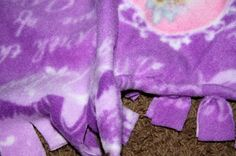 I first saw this blanket at work, one of my patients in recovery had one. Poor little girl, I about attacked her (half asleep from anesthsi. Tie Knot Blanket, Fleece Blanket Edging, Fleece Tie Blankets, No Sew Blankets, Baby Blankets, Fleece Projects, Crochet Projects, Sewing Projects, Diy Projects