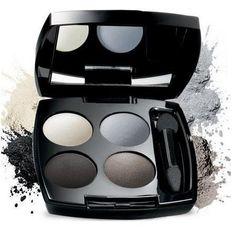 TRUE COLOR QUARTETO DE SOMBRA CINTILANTE/AVELUDADA compre aqui: http://lojaquatroestacoes.com/pd-60007-true-color-quarteto-de-sombra-cintilante-aveludada.html