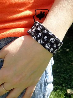BitWrap Prints-Black Skull Print-Fitbit Flex, Fitbit One, Fitbit Charge, Fitbit Charge HR, Fitbit Surge Band