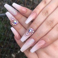 Acrylic Nails Coffin Pink, Coffin Shape Nails, Nagellack Design, Nagellack Trends, Rose Gold Nails, Diamond Nails, Metallic Nails, Rhinestone Nails, Bling Nails