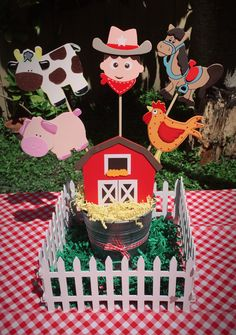 My creation farm centerpiece Farm Animal Party, Farm Animal Birthday, Barnyard Party, Cowgirl Birthday, Farm Birthday, Farm Party, Halloween Classroom Decorations, Kids Party Decorations, Cowboy Theme Party