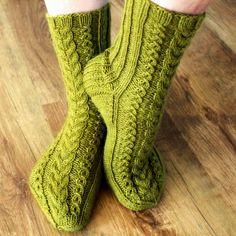 Ravelry: October socks pattern by Niina Laitinen In German & Finnish Crochet Socks, Knitting Socks, Crochet Yarn, Hand Knitting, Knit Socks, Knitting Patterns Free, Crochet Patterns, Knitting Ideas, Crochet Ideas