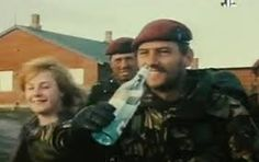 Iconic hero of Goose Green kills himself hours after Argentina reignites hostilities: 'Sabre-rattling' may have triggered Para's post-traumatic stress British Army, British Royals, Parachute Regiment, Falklands War, History Online, Feature Article, Military Art, Special Forces, Cold War