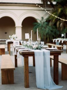 Pretty table: http://www.stylemepretty.com/2015/04/04/seaside-wedding-at-sunset-cliffs/ | Photography: Carmen Santorelli - http://carmensantorellistudio.com/