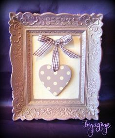 cadre baroque coeur mauve Heart Crafts, Baby Crafts, Diy And Crafts, Arts And Crafts, Craft Projects, Projects To Try, Picture Frame Decor, Cute Frames, Shabby Chic Crafts