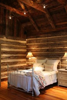 East Texas 1856 log home - at last a home I can relate to!  Nice do-up