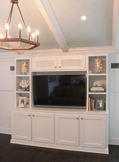 House of Turquoise: Guehne-Made idea for TV cabinet/bookshelves in master