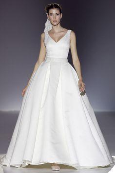 #sexi #love #jeans #clothes #coat #shoes #fashion #style #outfit #heels #bags #treasure #blouses #wedding #weddingdress #weddingday #weddingcelebration #weddingwoman Svadobné šaty: Franc Sarabia - KAMzaKRÁSOU.sk