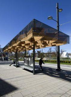 Территория Университета Британской Колумбии в Ванкувере, Канада, занимает не один квадратный километр. Кампус большой, и поэтому без общественного транспорта там не обойтись. Ну а если есть общественный транспорт, то нужны и остановки для него. Архитекторам из студии PUBLIC Architecture...
