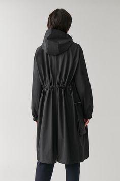 COTTON-MIX PARKA COAT コットン混紡パーカーコート|COS コス 公式オンラインストア | ワンピース Down Parka, Mini Handbags, Models, Midnight Blue, Raincoat, Women Wear, High Neck Dress, Long Sleeve, Sleeves