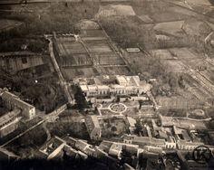 El palacio de Vista Alegre está ubicado dentro de la finca de Vista Alegre en el…